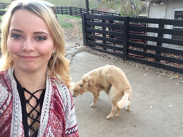 funny-selfie-background-reflection-fails-60-589add24b1580__605