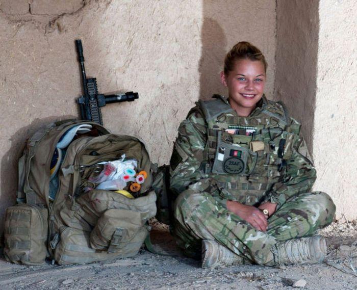 military_girls_32